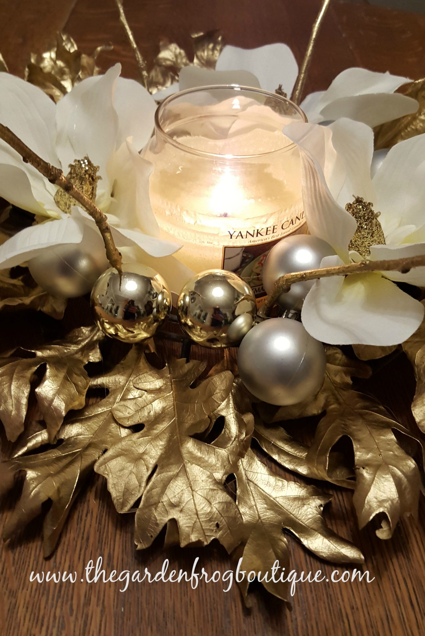 Create a christmas holiday centerpiece with gold oak
